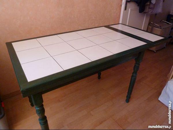 tables occasion le v sinet 78 annonces achat et vente de tables paruvendu mondebarras. Black Bedroom Furniture Sets. Home Design Ideas