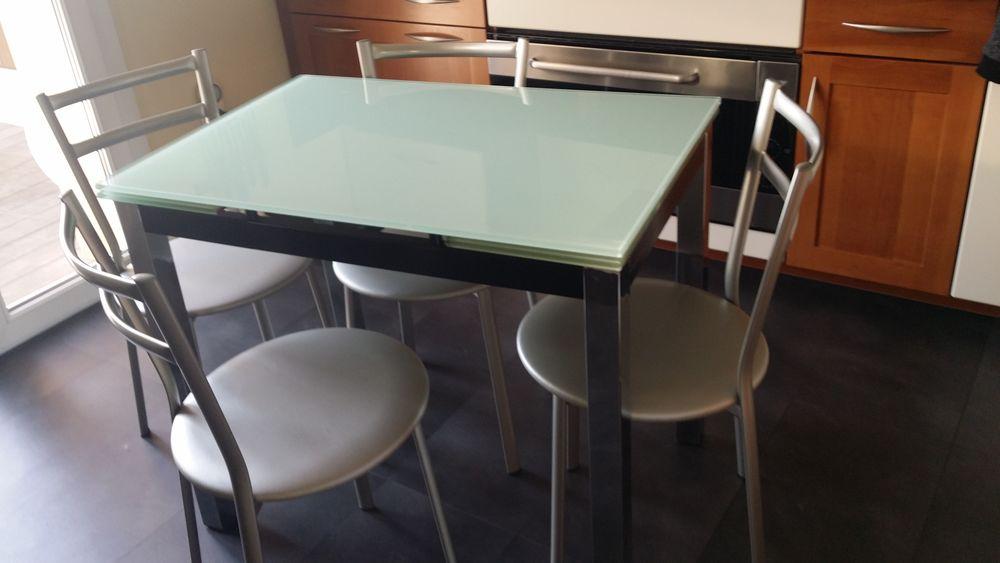 Table de cuisine et chaises 100 Varois-et-Chaignot (21)