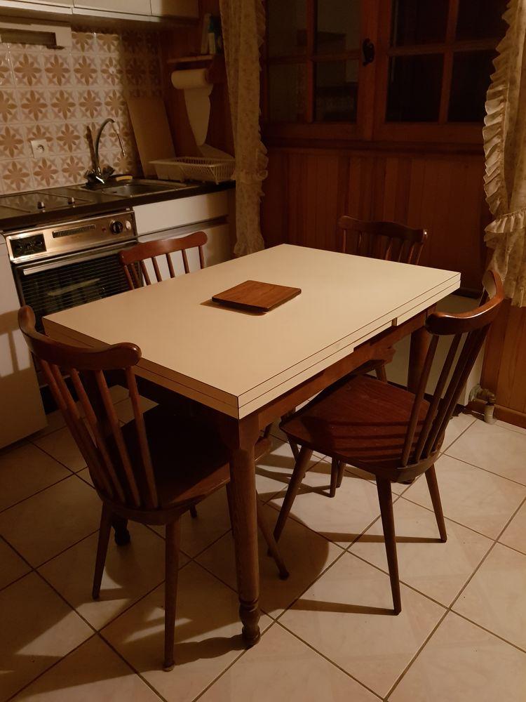 Table de cuisine + 4 chaises  90 Thônes (74)