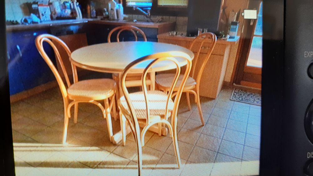 Table de cuisine et 4 chaises style bistro 100 Villeneuve-d'Ascq (59)