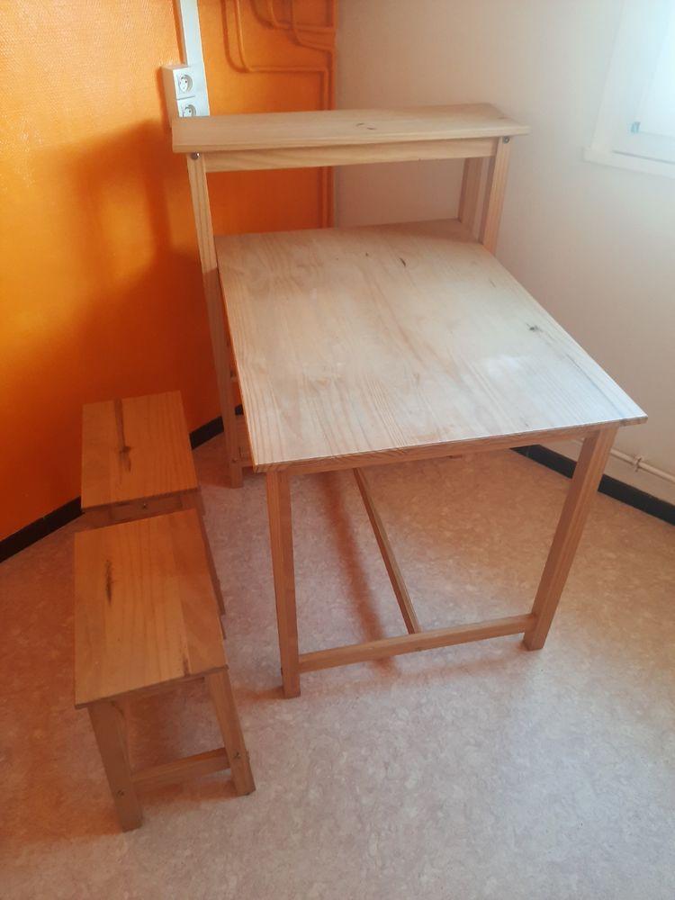 table de cuisine et c'est deux bancs. 50 Achicourt (62)