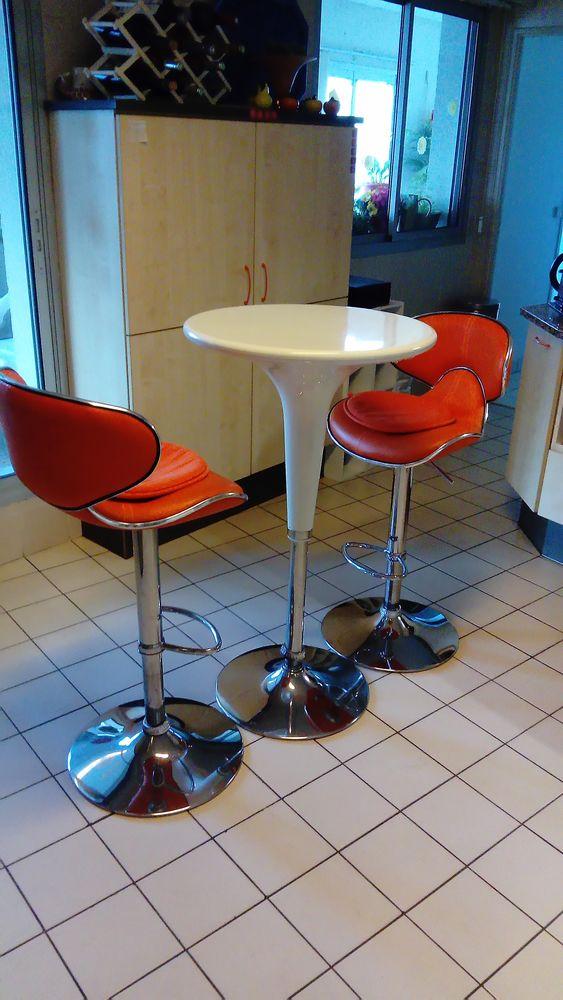 Table cuisine mange Deout avec fauteuils assortis 70 Bordeaux (33)