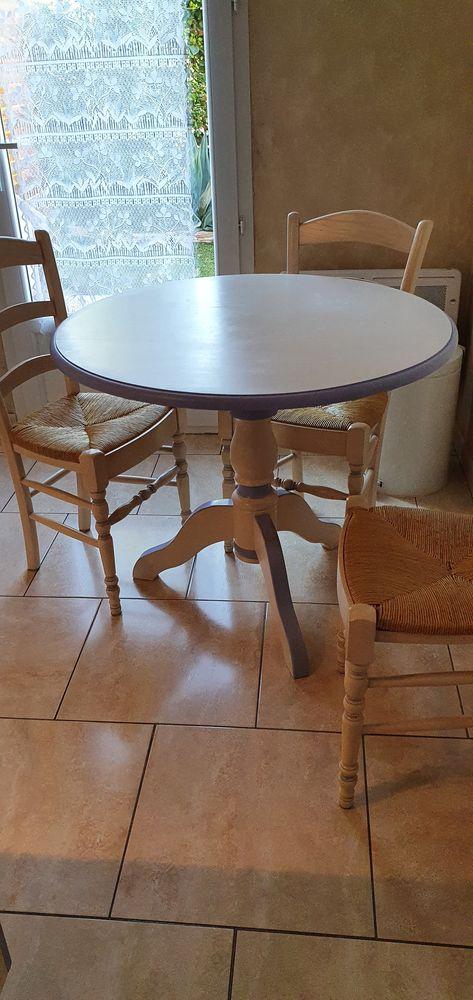 Table de cuisine de menuisier avec ses 3 chaises 0 Salon-de-Provence (13)