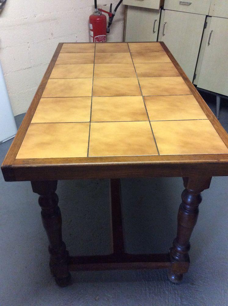 TABLE DE CUISINE (ou salon) 40 Serpaize (38)