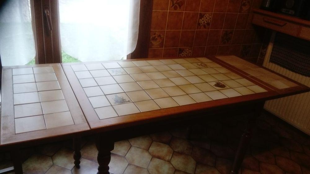 table de cuisine, trés bon état 40 Le Pont-de-Claix (38)