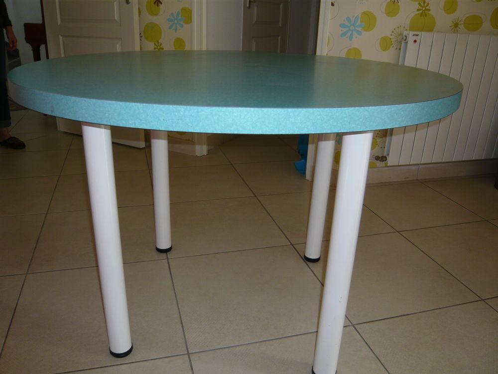Achetez table de cuisine quasi neuf annonce vente pac 35 wb156085010 - Cherche table de cuisine ...