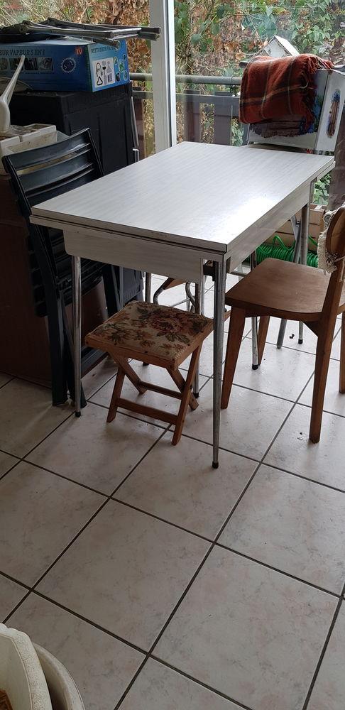 Table de cuisine  30 Louvres (95)