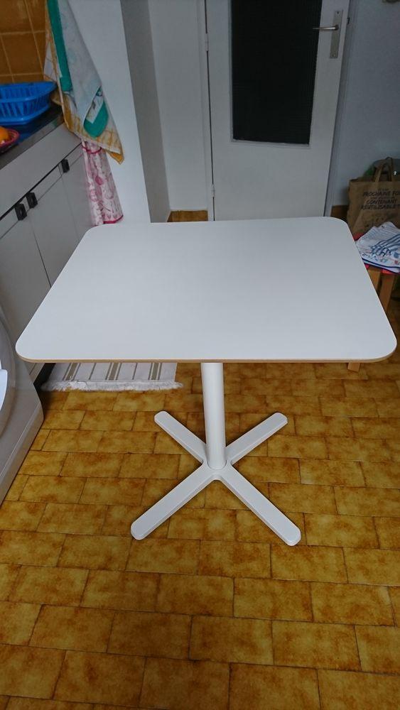 TABLE DE CUISINE Meubles