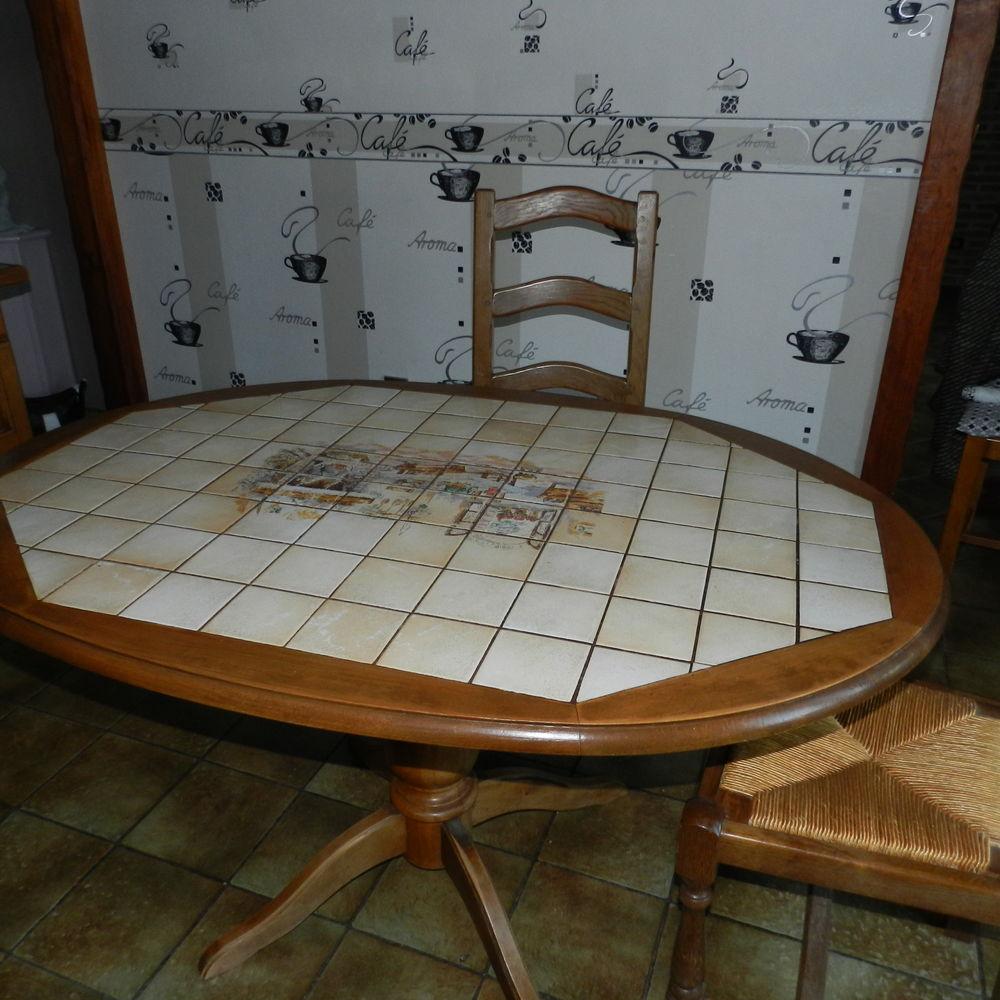 TABLE DE CUISNE Carrelée  OVALE. 90 Annay (62)