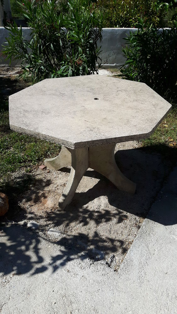 TABLE DEMONTABLE 70 Aubagne (13)