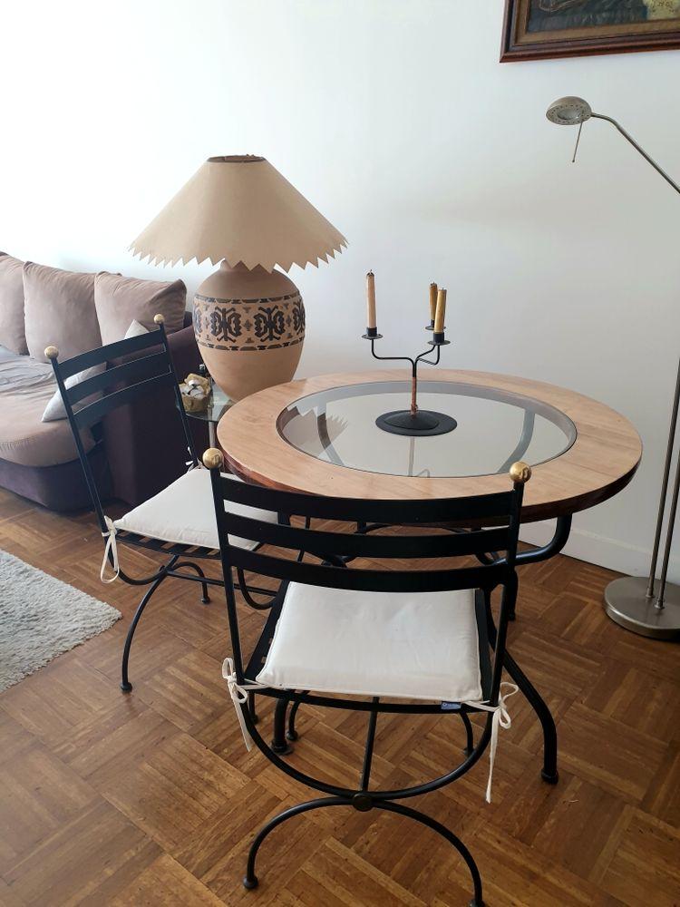 Table design bois et fer forgé   2 chaises 440 Paris 17 (75)
