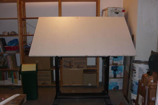 Table à dessin inclinable et réglable en hauteur 170 x 100 150 Paris 18 (75)