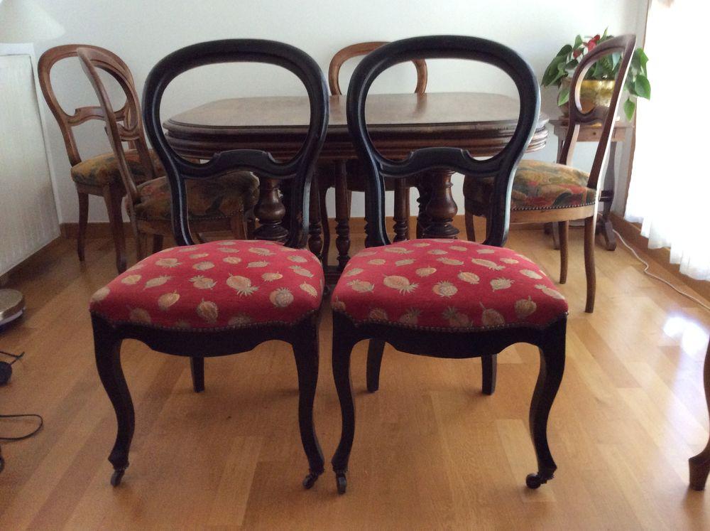 Table et deux chaises  370 Lyon 2 (69)