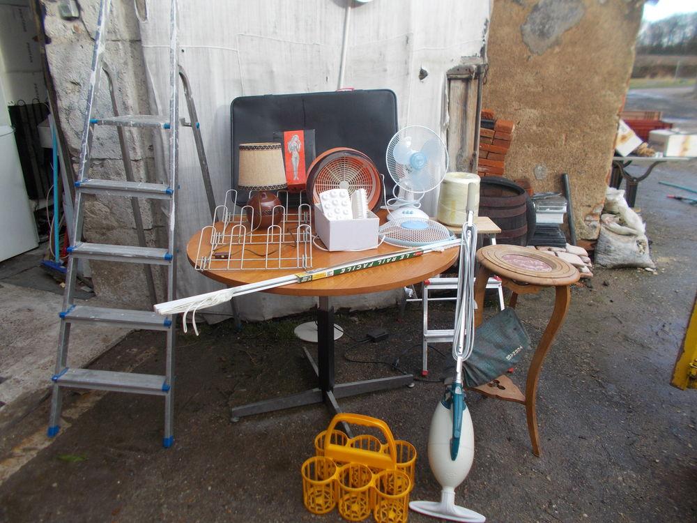 table escabeau valise aspirateur etc faire prix  289 Saran (45)