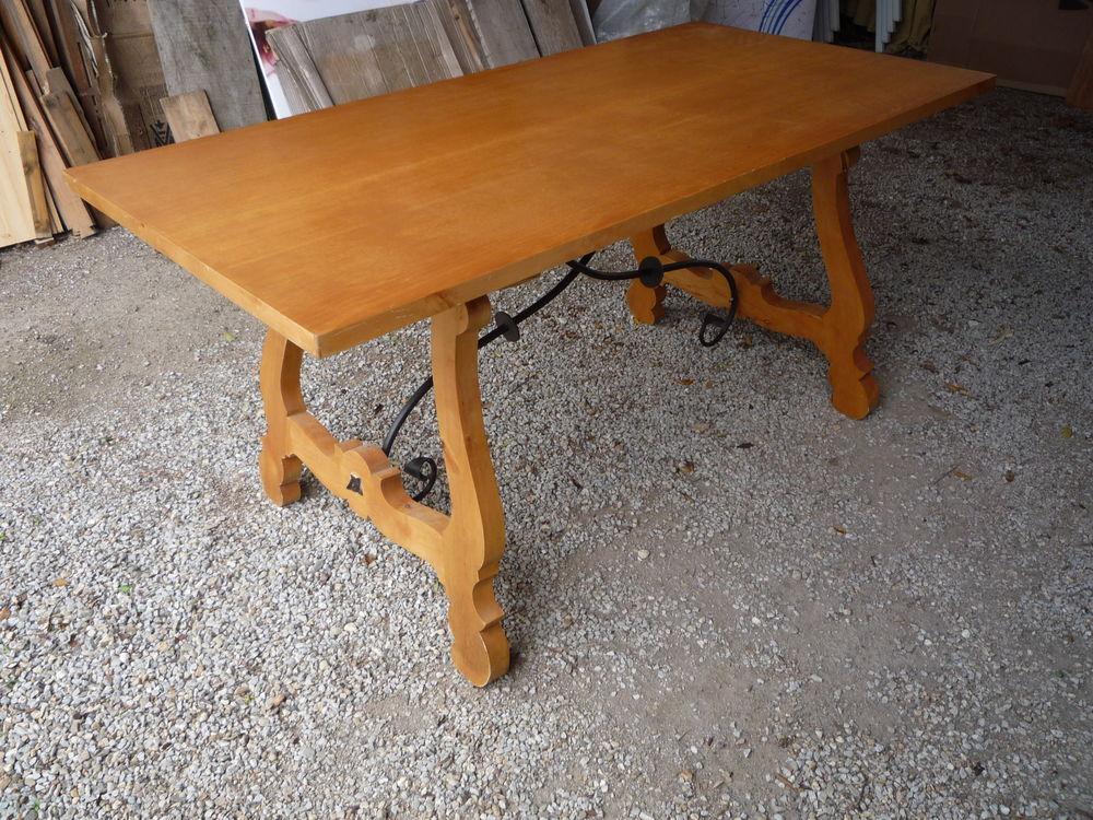 Table espagnole pieds lyre et entretoise fer forgée 485 Castres (81)