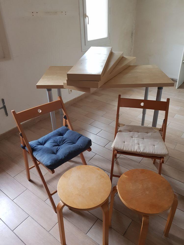 Lot table, 3 étagères, 2 chaises avec coussin et 2 tabourets 120 Aix-en-Provence (13)