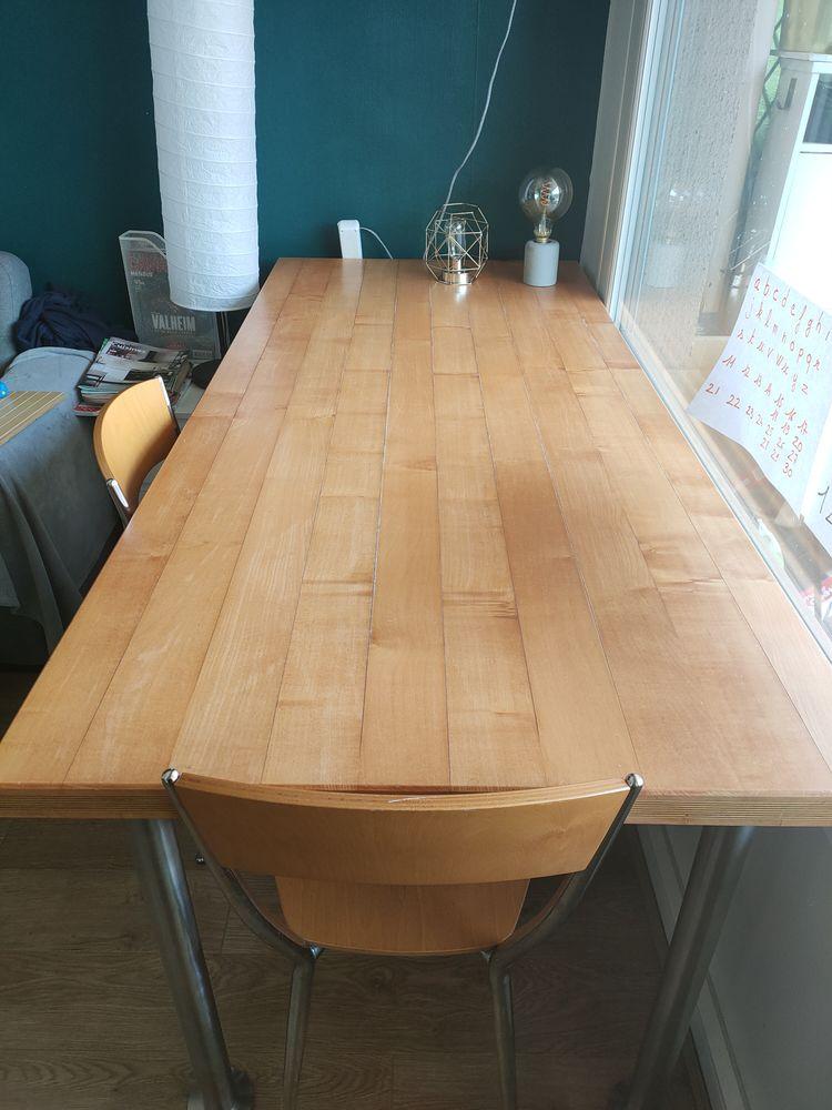 Table extensible + 8 chaises 200 Saint-Julien-en-Genevois (74)