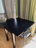 Table extensible IKEA noire plus deux chaises.  0 Toulouse (31)