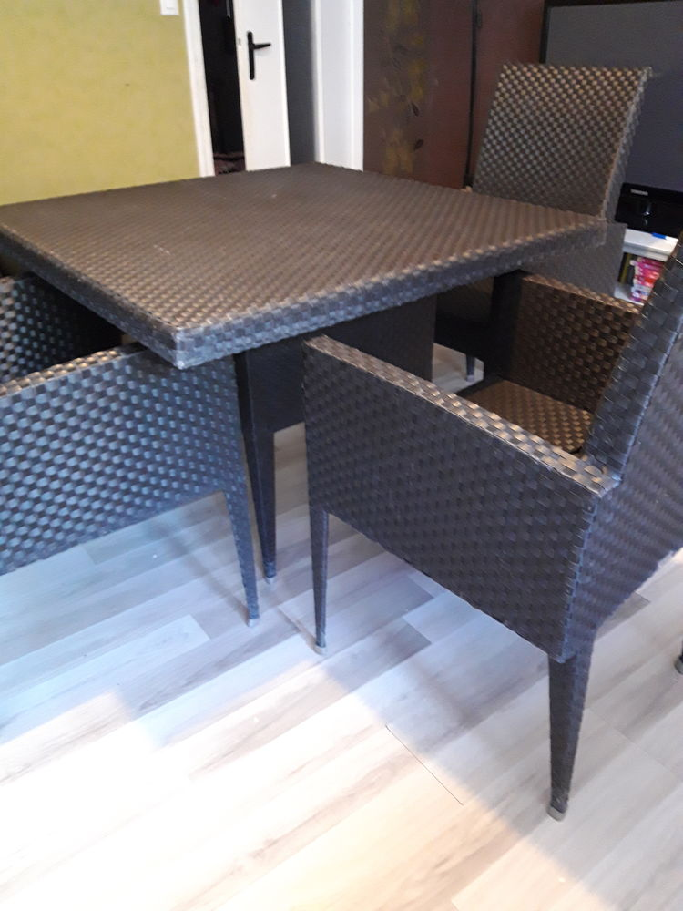 Table et fauteuil sifas 0 Vigneux-sur-Seine (91)