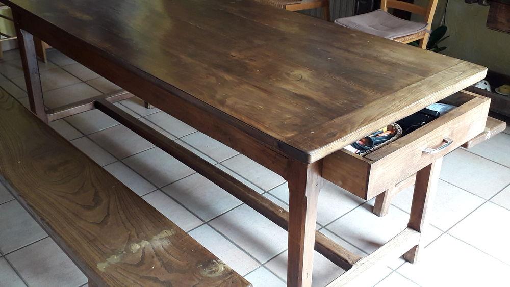 Table de ferme en bois massif  + bancs 850 Couëron (44)