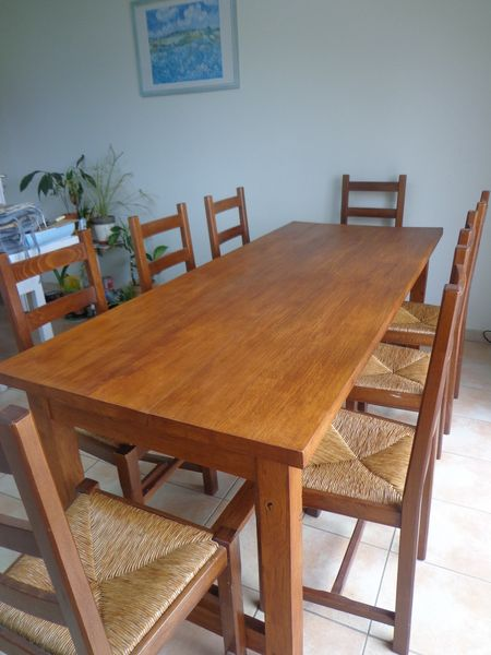 table de ferme en chêne massif + 8 chaises 750 Champcevinel (24)