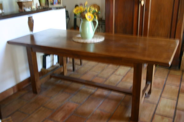 Table de ferme en noyer.2.00 x 0.90 80 Agde (34)
