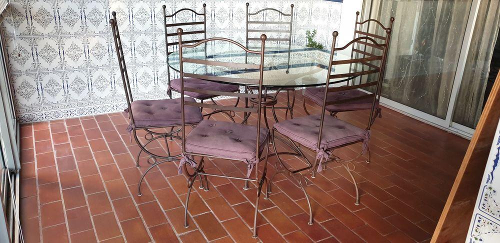 TABLE EN FER FORGE ET PLATEAU VERRE   +  6 CHAISES 320 Sète (34)