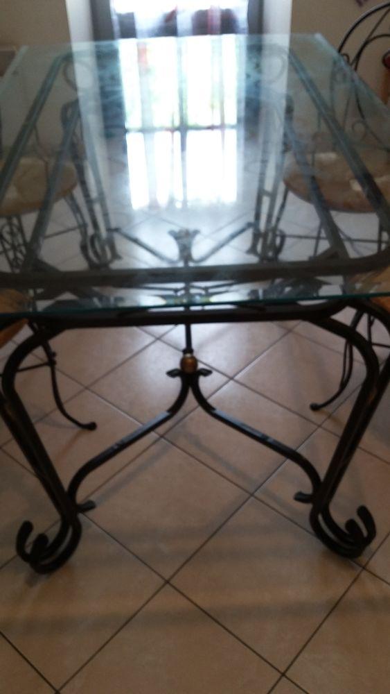 Table fer forgé plateau verre 500 Royères (87)