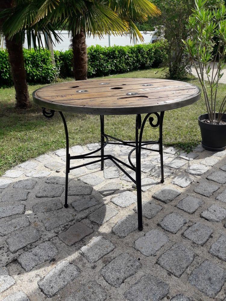 Table fer forgé et plateau touret  avec cerclage 100 Dammarie-les-Lys (77)
