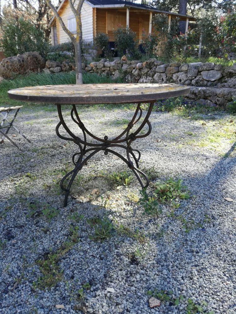 table fer forgé 80 Trans-en-Provence (83)