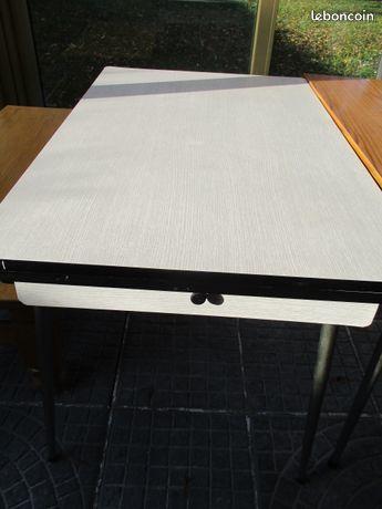 Table formica blanc avec 2 rallonges vintage très bon état 0 Mérignies (59)