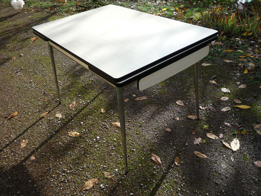 Table formica/cuisine 65 Castres (81)
