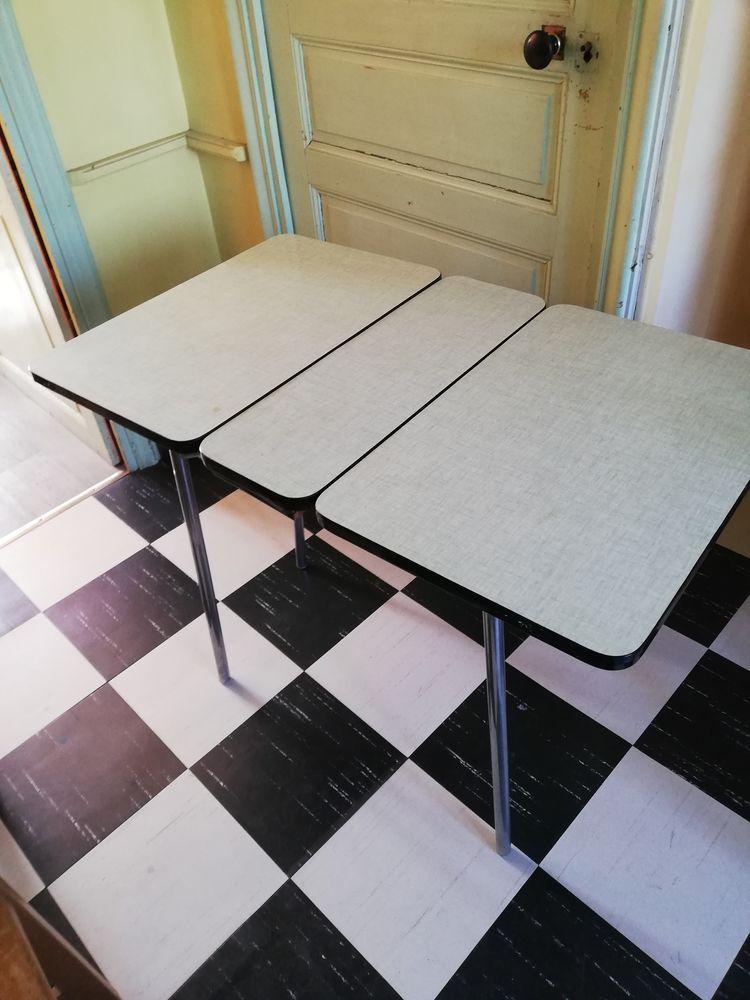 table en formica+ tabouret 70 Redon (35)