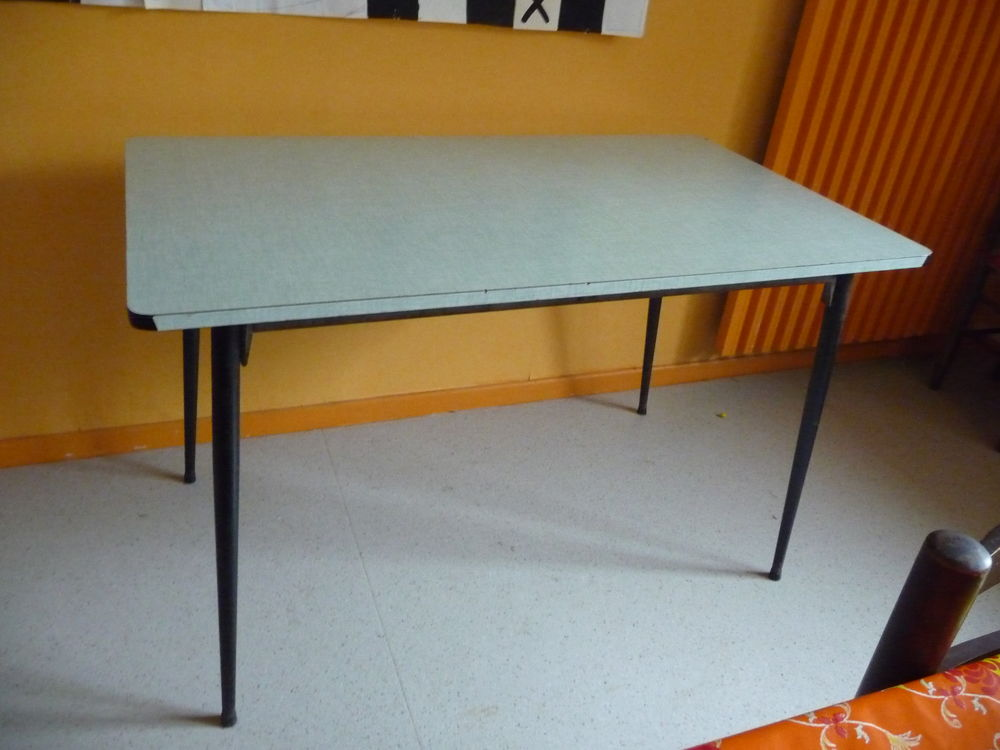 table formica 10 Voiron (38)