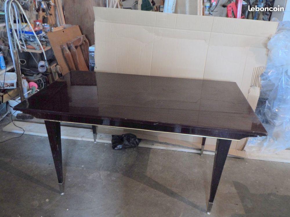 table en formica 1.50m x0.88m  20 Montgivray (36)
