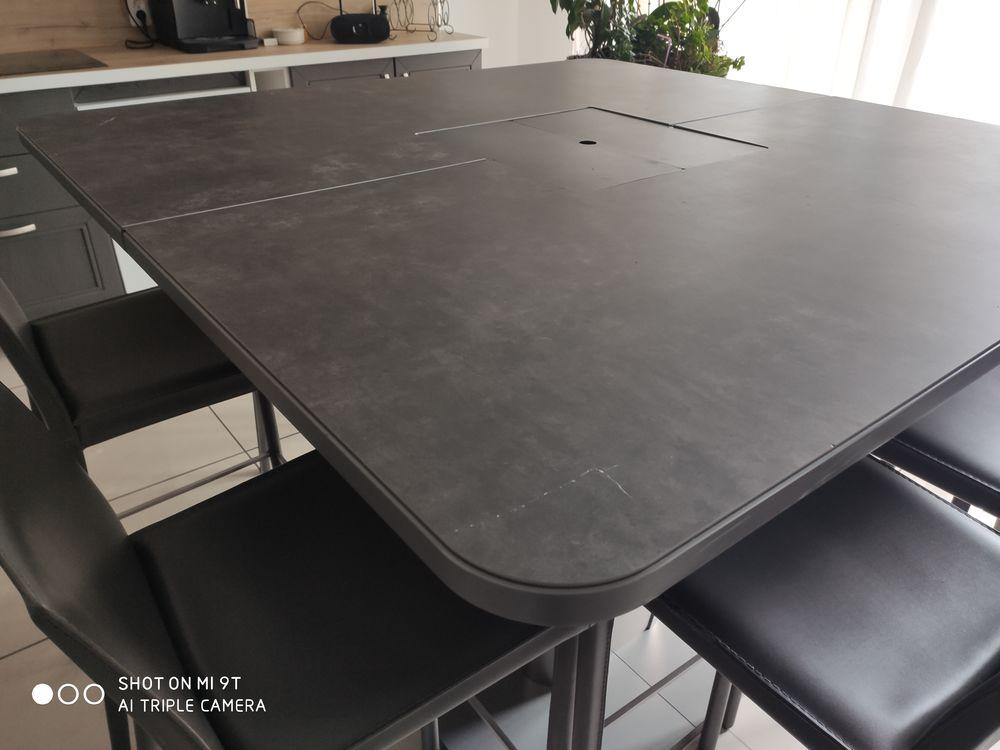 Table  haute carrée avec casiers et ses 8 chaises en cuir 2000 La Baule-Escoublac (44)