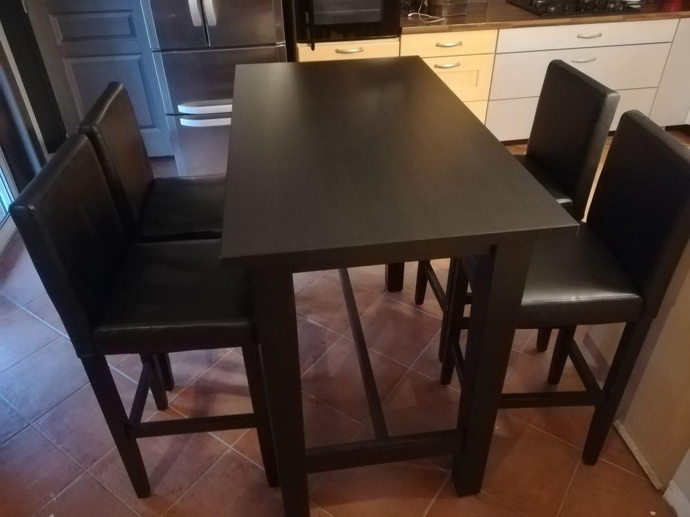 Table Haute IKEA noire et ses 4 fauteuils 0 Mont-de-Marsan (40)