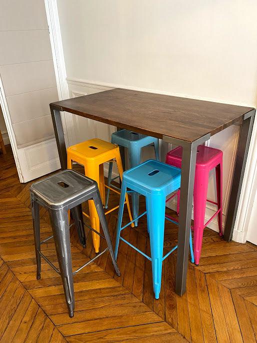 Table haute et tabourets 500 Paris 17 (75)