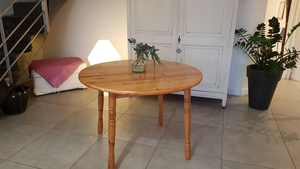 Table Ikéa Pin massif 15 Saint-Médard-en-Jalles (33)