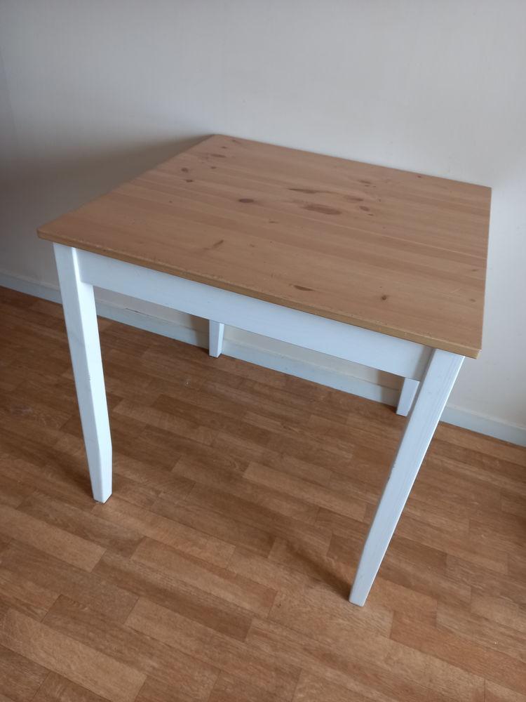 Table IKEA 0 Orléans (45)