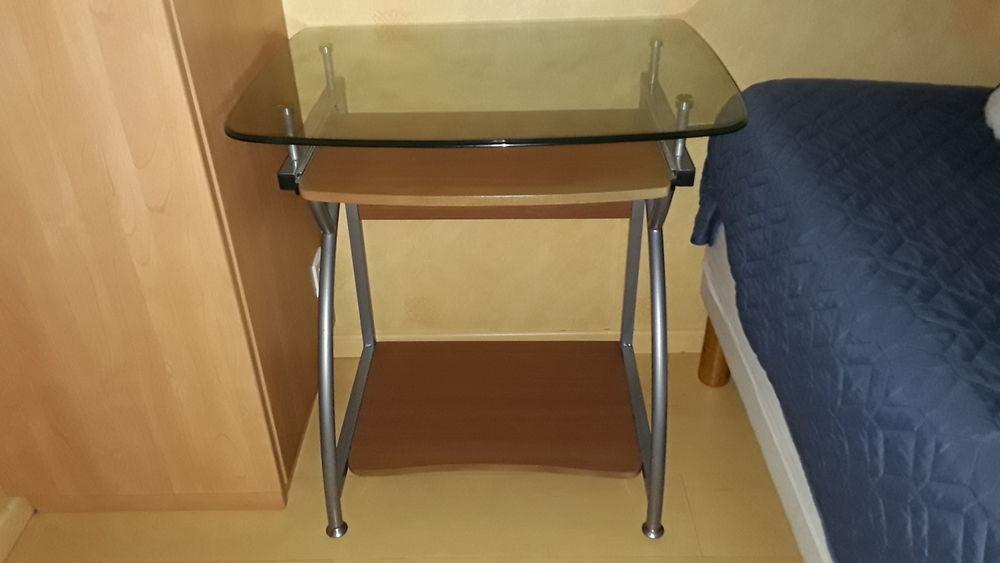 TABLE INFORMATIQUE PLAT.VERRE 73x55cm TRIPLE PLATEAUX 20 Sury-le-Comtal (42)