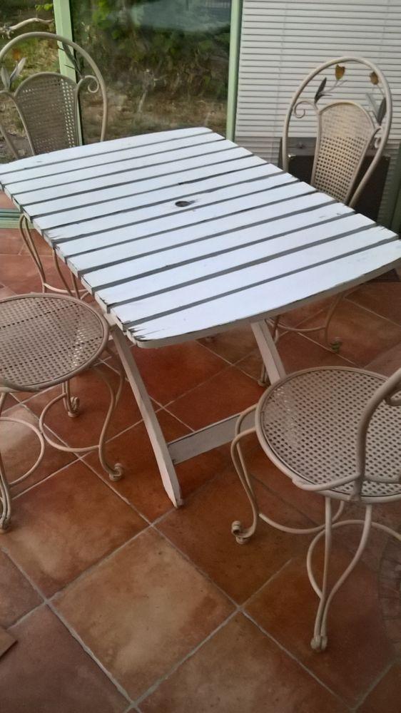 table de jardin en bois 30 Cergy (95)
