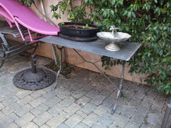 Table de jardin en fer forgé 40 Les Lones (83)