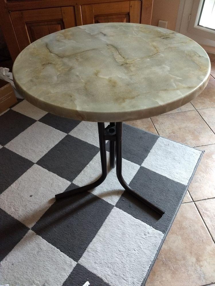 tables de jardin occasion dans le val d 39 oise 95 annonces achat et vente de tables de jardin. Black Bedroom Furniture Sets. Home Design Ideas