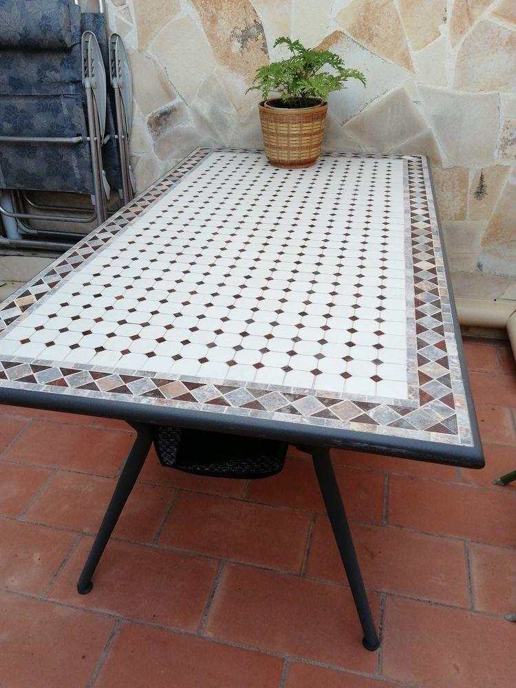 table de jardin 30 Nîmes (30)