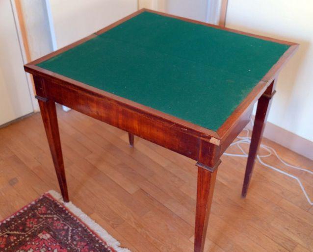 Table à jeux plaquée acajou 100 Poigny-la-Forêt (78)