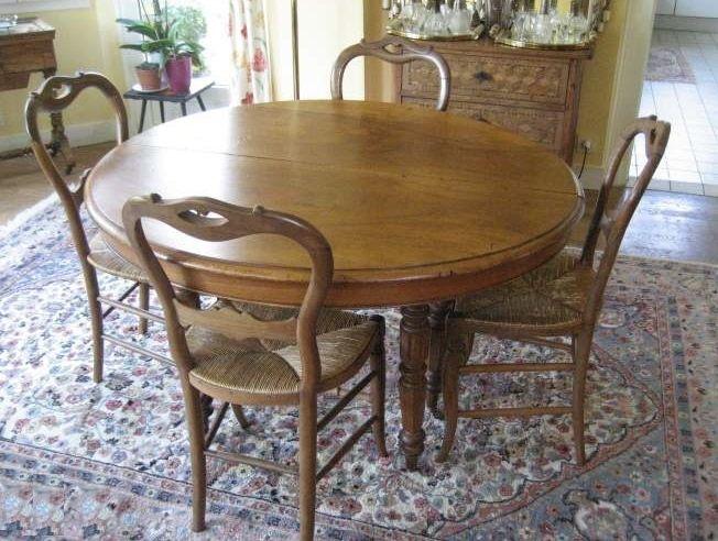 Table Louis Philippe + 4 chaises paillées en noyer 700 Nyons (26)