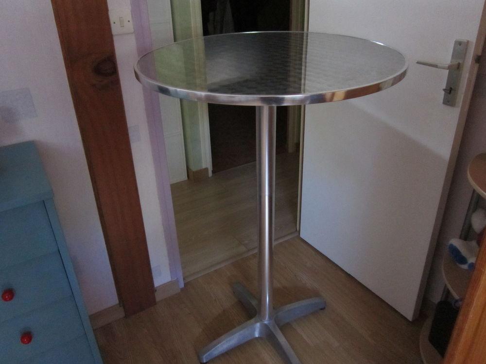 TABLE MANGE DEBOUT 80 Trignac (44)