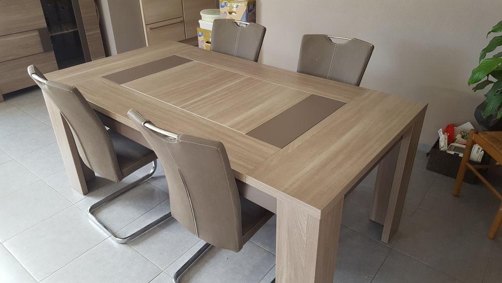 Table a manger argentier et meuble de rangement  800 Seilh (31)