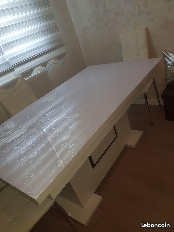 Table a manger blanc laqué  200 Chambéry (73)